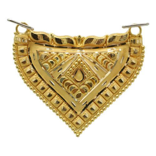 Golden pendant: pendants at affordable rates!
